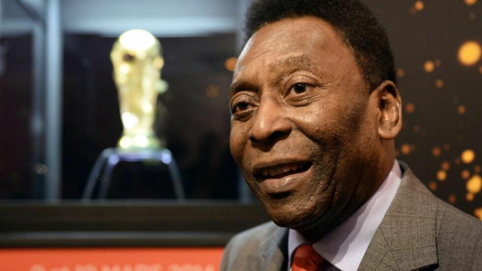 TILBAKE: Fotballegenden Pelé var tilbake på sykehus mandag bare noen dager etter at han var inne og fikk behandling for nyrestein. Foto: AFP PHOTO / FRANCK FIFE / NTB Scanpix