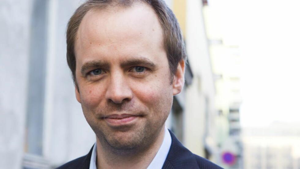 LEI AV FINSK TEATER: Arild Grande (Ap) vil ikke tilbake til en tid hvor NRK sendte det folk burde se, fremfor det de ville se.  Foto: Berit Roald / Scanpix