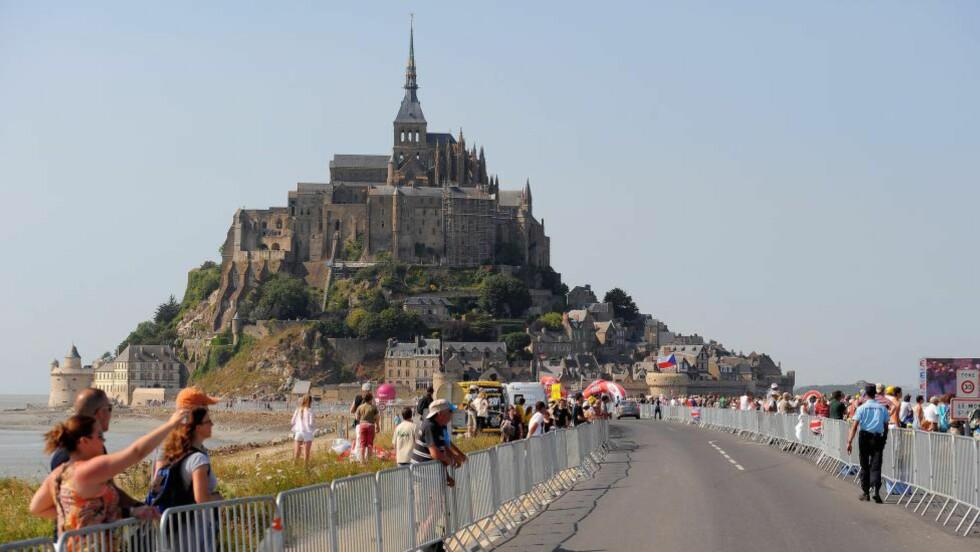VENDER TILBAKE: Hundreårsutgaven av Tour de France gjestet Mont-Saint-Michel. Nå kommer sykkelrittet tilbake. FOTO: Tim De Waele/TDWSPORT.COM