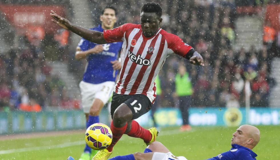 RANET:  Victor Wanyama spilte for Southampton mot Aston Villa mandag. Da han kom hjem tirsdag ettermiddag var huset hans tømt og bilen frastjålet. Foto:AP Photo/Chris Ison/ NTB Scanpix.