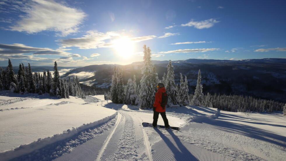 GLIMTER TIL: På Kvitfjell er vinteren kommet. Foto: CHRISTIAN BRÅTEBREKKEN
