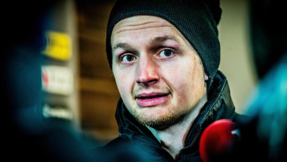 KNUST: En gråtkvalt Erik Huseklepp beklaget til fansen etter kampen. Foto: Thomas Rasmus Skaug / Dagbladet