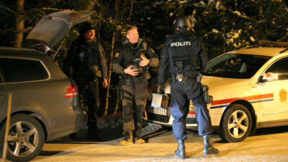 PÅGREPET:  Politiet har pågrepet en mann i natt. Foto: NTB Scanpix.