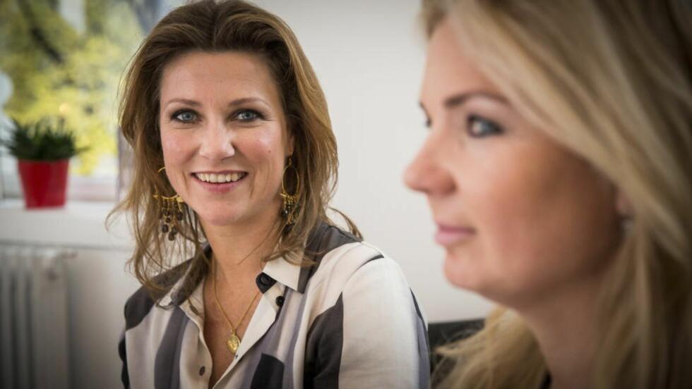 OPPE I KRINGKASTINGSRÅDET: Prinsesse Märtha Louise og Elisabeth Nordeng fikk få kritiske spørsmål da de lanserte sin nye bok «Stemmen og Støyen». Foto: Lars Eivind Bones / Dagbladet