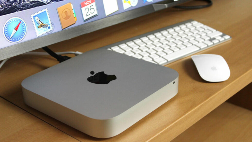 DEN BILLIGSTE: Mac mini er den rimeligste inngangsbilletten til Mac-verdenen. Pen og enkel å bruke, men den er ikke helt uten begrensninger. Foto: OLE PETTER BAUGERØD STOKKE / DINSIDE.NO