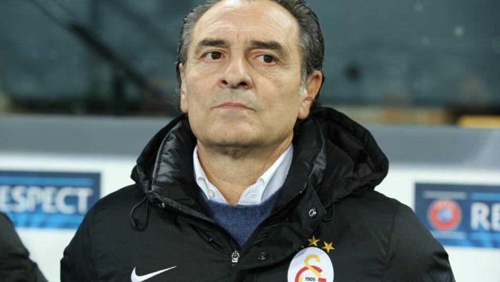 SPARKET: Cesare Prandelli er ferdig i tyrkiske Galatasaray. Foto:   EPA/JULIEN WARNAND