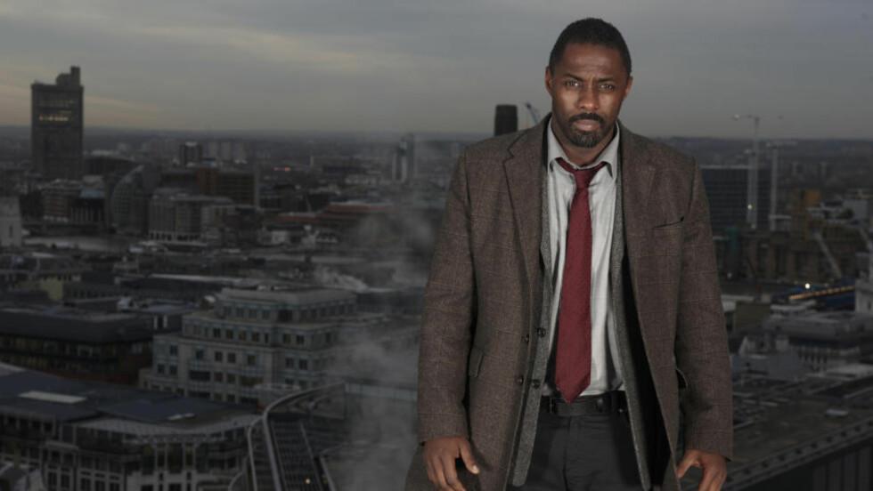 RETURNERER: John Luther i Idris Elbas skikkelse blir å se i to nye episoder av «Luther» neste år. Samtidig er en film under planlegging. Foto: BBC