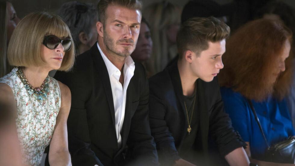 BILULYKKE:  David Beckham og sønnen Brooklyn (t.h) var i dag tidlig involvert i en bilulykke. Foto: REUTERS/Carlo Allegri/NTB Scanpix.