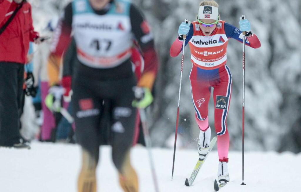 SUPERDAG: Therese Johaug gikk et vanvittig langrenn i Kuusamo i dag, og knuste Marit Bjørgen med over 42 sekunder. Foo: Kimmo Brandt / EPA / NTB Scanpix