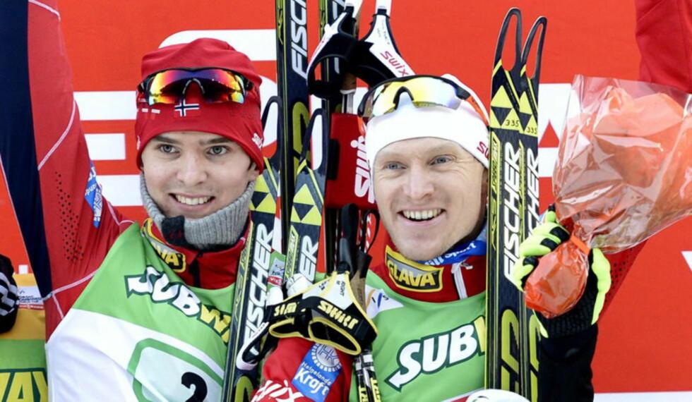 OVERLEGNE: Jørgen Graabak (t.v.) og Håvard Klemetsen gikk til topps i lagsprinten i Kuusamo. Foto: NTB Scanpix