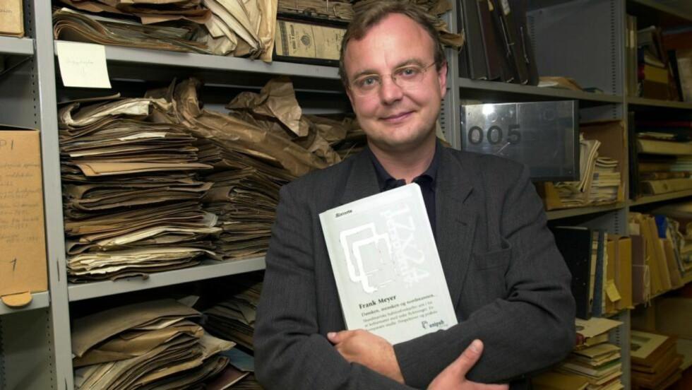 ØNSKER EN OPPRYNDNING: Dr.philos Frank Meyer mener Wikipedia-brukere får for lite og for høyrevridd informasjon. Foto: Per Løchen / SCANPIX