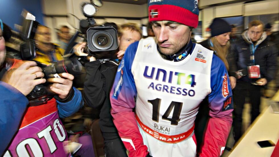 SCENESKIFTE:  Eirik Brandsdal har overtatt mikrofonen på sprint. Det var viktig for ham å spurte ned Petter Northug. Foto Hans Arne Vedlog