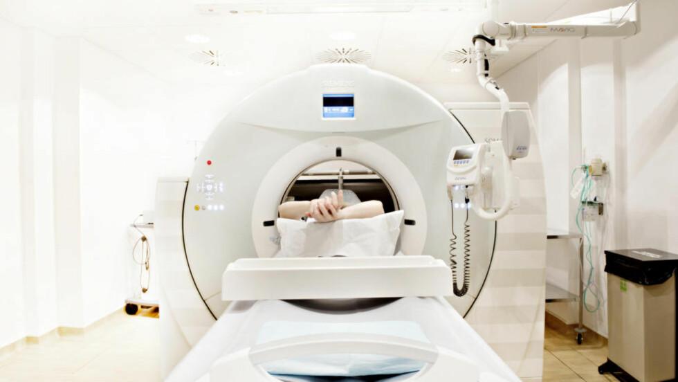 FORSVINNER I SYSTEMET:  - Det er mange eksempler på pasienter som ikke kommer raskt nok til behandling og noen opplever at de forsvinner i systemet underveis, sier statsminister Erna Solberg. Foto: NTB SCANPIX
