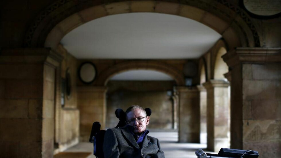 SKURK?: Den teoretiske fysikeren Stephen Hawking kunne tenke seg en filmrolle. Foto: Scanpix