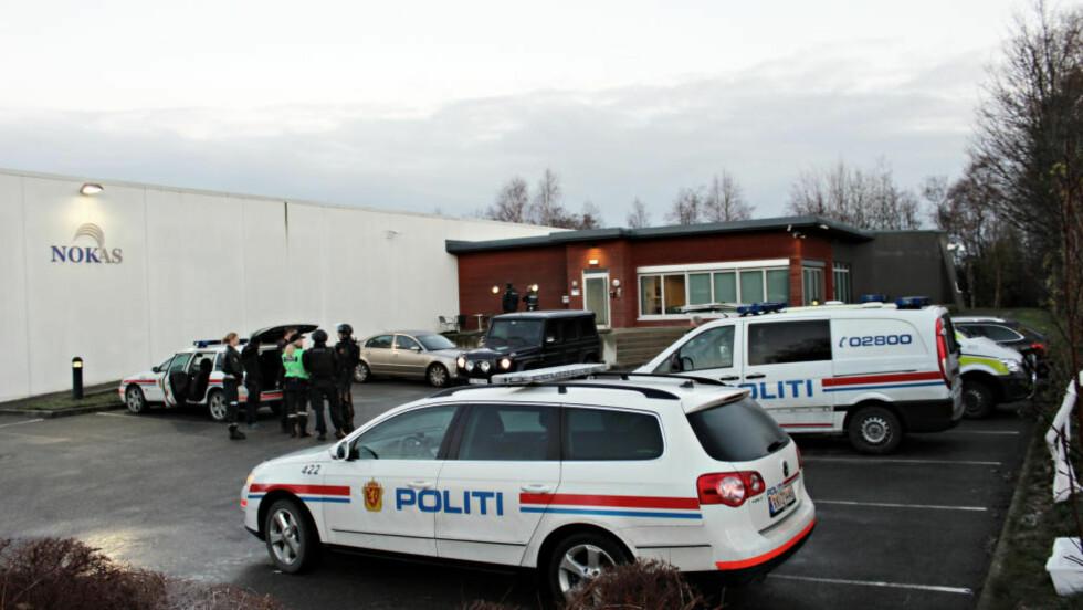 PÅGREPET: Klokken 08.45 ble en 24-åring pågrepet ved Nokas på Forus utenfor Stavanger. Han hadde med seg to våpen. Foto: Ronny Hjertås