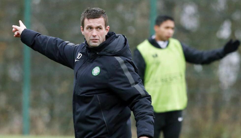 PEKER RETT VEI: Celtic og manager Ronny Deila opplever god form og gode resultater. Foto: AP Photo/PA, Danny Lawson