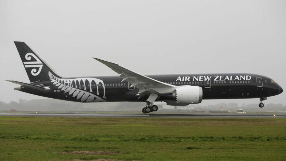 FØRSTEPLASS: Australia-baserte Airlineratings.com har nå kåret Air New Zealand til det beste flyselskapet for 2015, etterfulgt av Etihad Airways og Cathay Pacific Airways på plass to og tre. Foto: PETER MEECHAM / AP / NTB SCANPIX