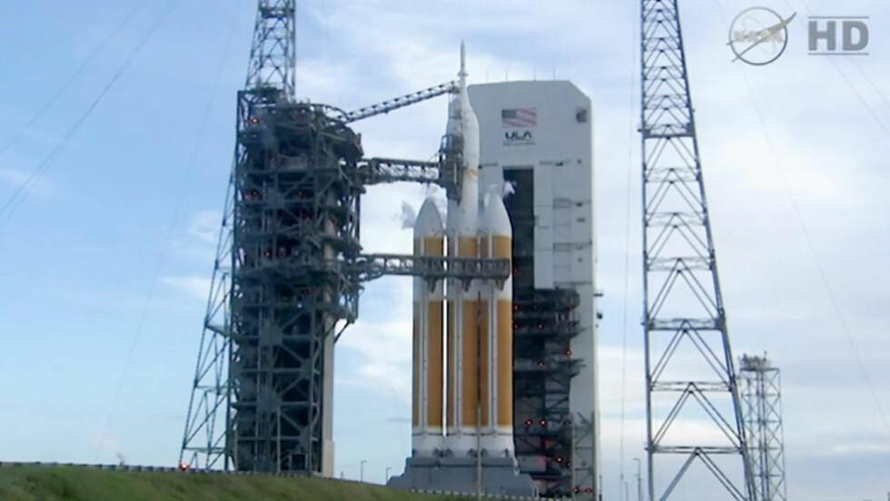 OPPSKYTING: Torsdag prøvde NASA å skyte opp romfartøyet Orion for første gang. Før 2030 skal romfartøyet fly mennesker til Mars. Video: NASA