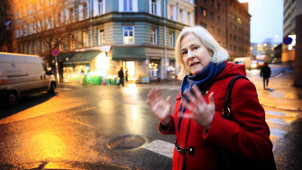 BEKYMRET: Berit Jagmann, leder i Grønland beboerforening har hørt fra naboer at narkoligaer har forsøkt å rekruttere barn helt ned i 12-årsalderen som kurere. Politiet har pågrepet til sammen seks personer under 18 år som har vært selgere og kjøpere av narkotika. Politiet har også sendt over 50 bekymringsmeldinger til Barnevernet om barn som er involvert i narkotikamiljøet via foreldre. Blant annet forteller politiet om barn som har vært med foreldre på salg og leveringer av narkotika.   Foto: Nina Hansen / Dagbladet