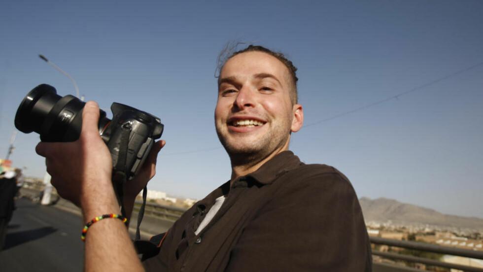 PÅ JOBB:  Luke sommers, her på jobb i Jemen i 2013, blir truet på livet av Al-Qaida i samme land. Familien trygler om hans løslatelse. FOTO: NTB SCANPIX