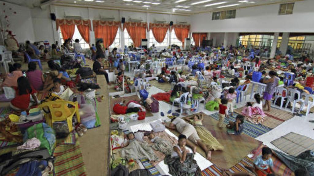 I fjor døde over 7000 etter tyfonen Haiyan. Nå er en ny tyfon på vei til samme område