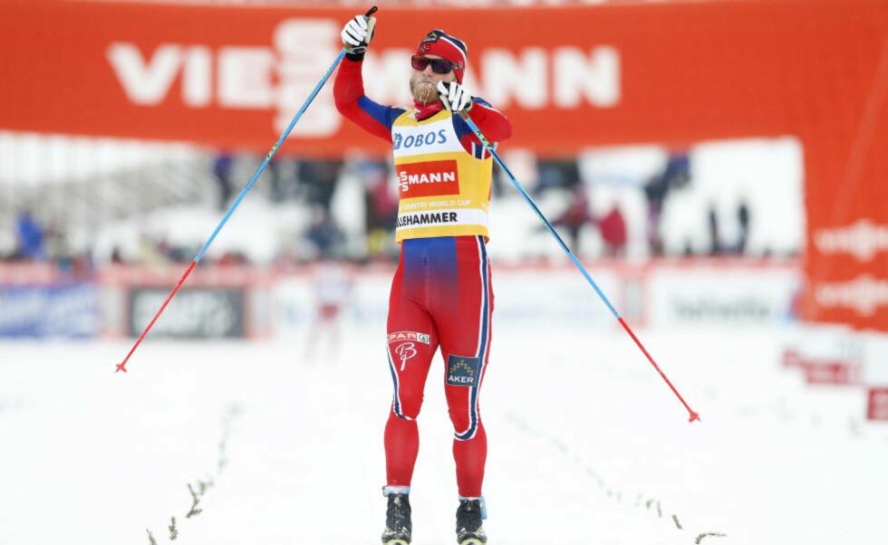 I ENSOM MAJESTET: Martin Johnsrud Sundby fulgte sin egen VM-plan og vant minitouren på Lillehammer i dag. Slik han ser for seg at han skal gjøre i Falun i februar også.  Foto: Cornelius Poppe / NTB scanpix