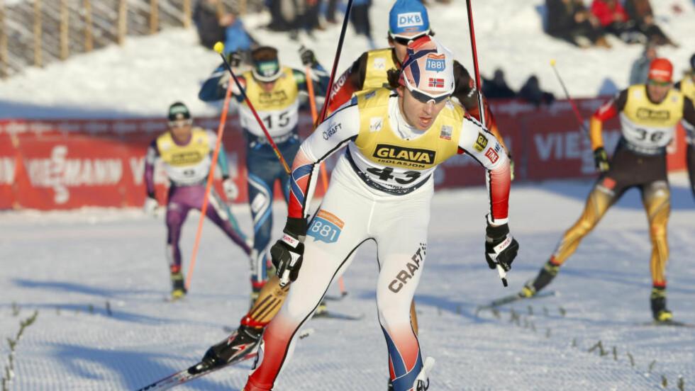 RASK I SPORET: Etter å ha ligget på en 38. plass etter hopprennet gikk Mikko Kokslien av med seieren i verdenscuprennet på Lillehammer.  Foto: Terje Pedersen / NTB scanpix