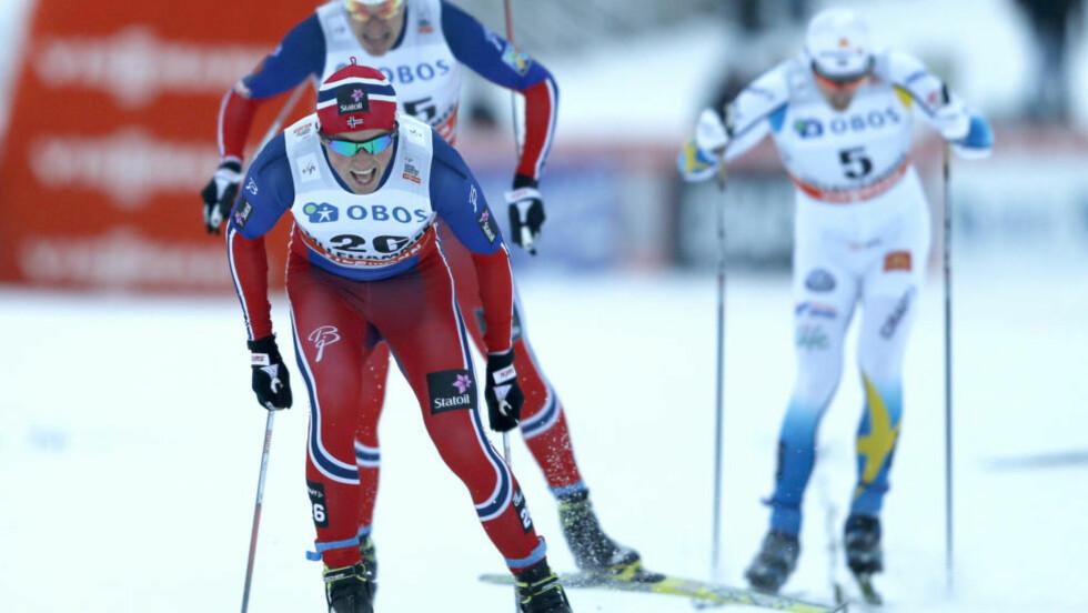 MED TIL DAVOS: Emil Iversen imponerte på fredagens sprint i Lillehammer, der han endte på en sjetteplass. Det var nok til å imponere landslagsledelsen, og trønderen er med i troppen som reiser helgens to verdenscuprenn i Davos. Foto: Terje Pedersen / NTB scanpix
