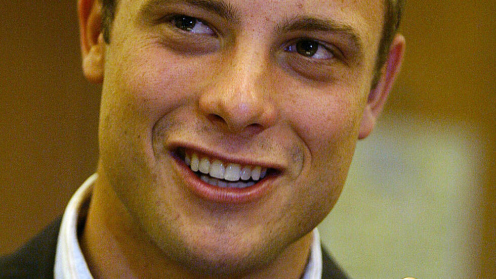 KAN LØSLATES. Oscar Pistorius kan løslates fram til ny rettsak, om anken tas til følge. Dommeren har utsatt avgjørelsen. Foto: AFP.