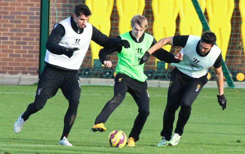 BESØKTE MELWOOD: Martin Ødegaard fikk vise seg fram på Liverpool-trening to dager på rad forrige uke. Foto: FameFlynet / BULLS PRESS