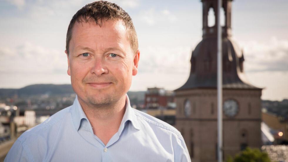 IKKE FORNØYD: TV 2s kommunikasjonssef Jan-Petter Dahl ser alvorlig på reklamemisbruket. Foto: Espen Solli / TV 2