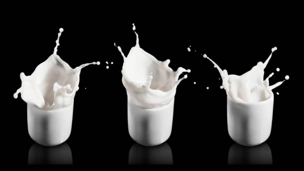 VITAMIN-KILDE: Melk gir tilskudd av D-vitaminer. Men nå strides forskerne om hvor mye vi egentlig trenger av dette vitaminet. Foto: Colourbox