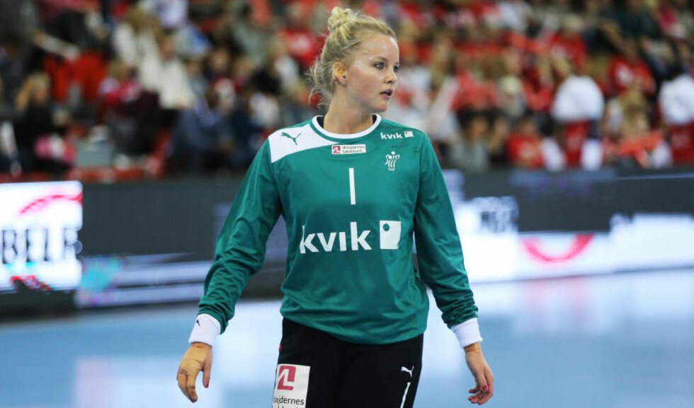KJENNER NORGE GODT: Danmark-keeper Sandra Toft spiller til daglig i Larvik. Det skal hun bruke til sin fordel i kveld. Foto: Trond Reidar Teigen / NTB Scanpix