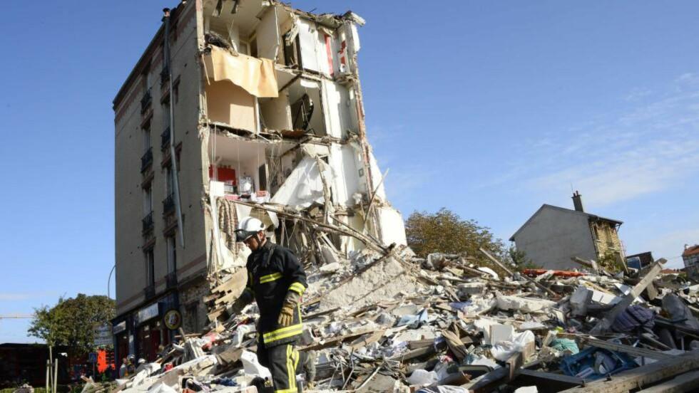 FRYKTER FLERE OMKOMNE: Opptil ti personer kan fortsatt ligge begravd i ruinene. Foto BERTRAND GUAY / AFP / NTB Scanpix