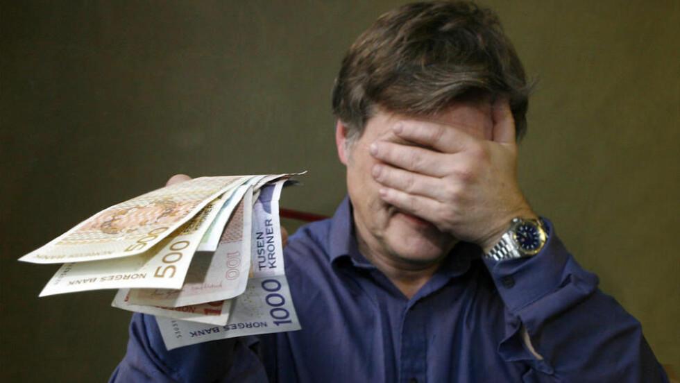 GLEM KONTANTER: Ikke betal firmaet med kontanter, om du vil unngå svart arbeidskraft. Foto: PER ERVLAND / DINSIDE.NO