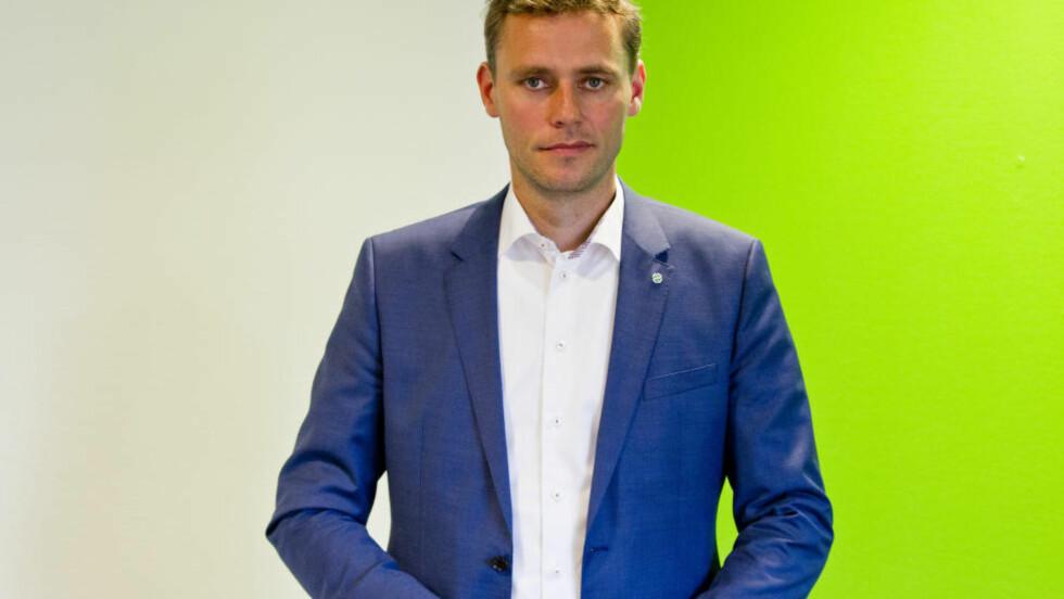 PÅSTAND:  Sp-nestleder Ola Borten Moe mener NRK ved flere tilfeller viser at kanalen har en politisk agenda, senest da de sendte den omstridte dokumentaren om pelsdyroppdrett. NRK avviser påstanden. Foto: NTB Scanpix.