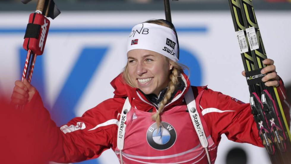 FEMTE: Tiril Eckhoff plaffet ned alle blinker og tok Norge opp til femteplassen under lørdagens verdenscupstafett. Foto: EPA / GEORG HOCHMUTH / NTB Scanpix