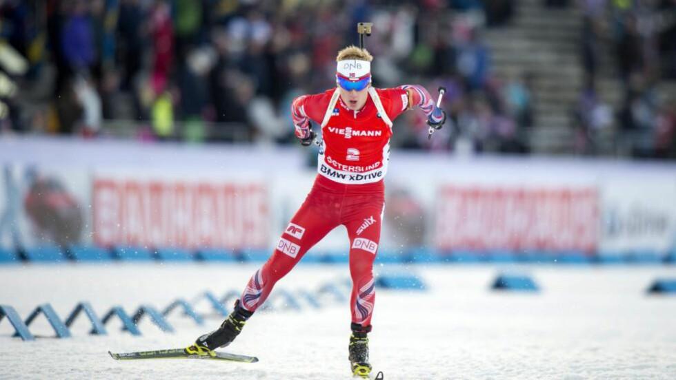 TREDJEPLASS:  Johannes Thingnes Bø og det norske stafettlaget endte på en tredjeplass bak Russland og Frankrike. Foto: MARCUS ERICSSON / TT / NTB scanpix