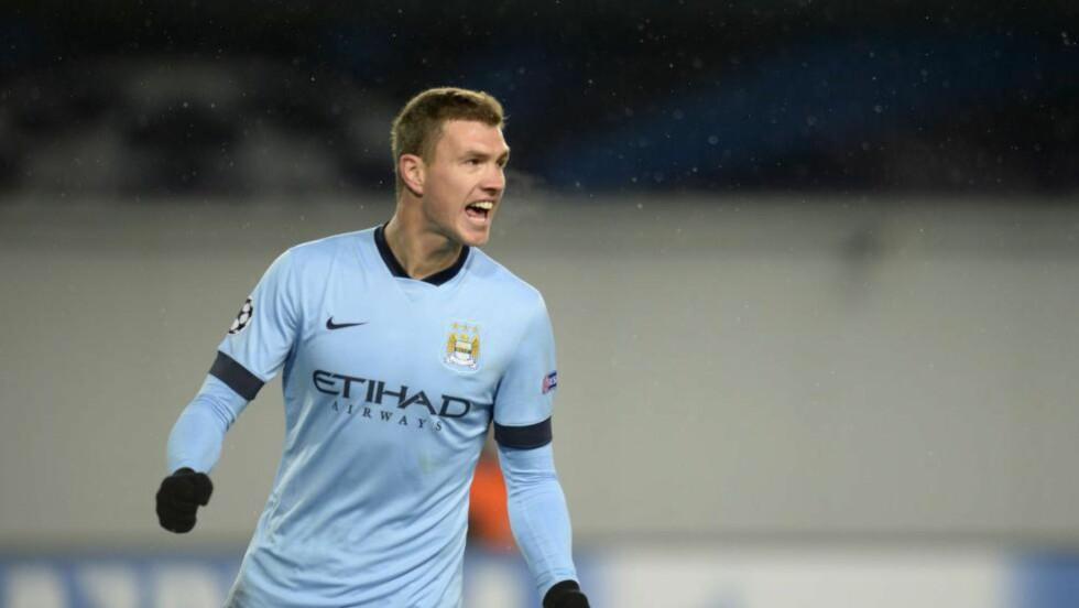 SKADET: Sergio Agüero-erstatter Edin Dzeko skadet seg i oppvarmingen før møtet med Leicester lørdag. Foto: AFP PHOTO / ALEXANDER NEMENOV / NTB Scanpix