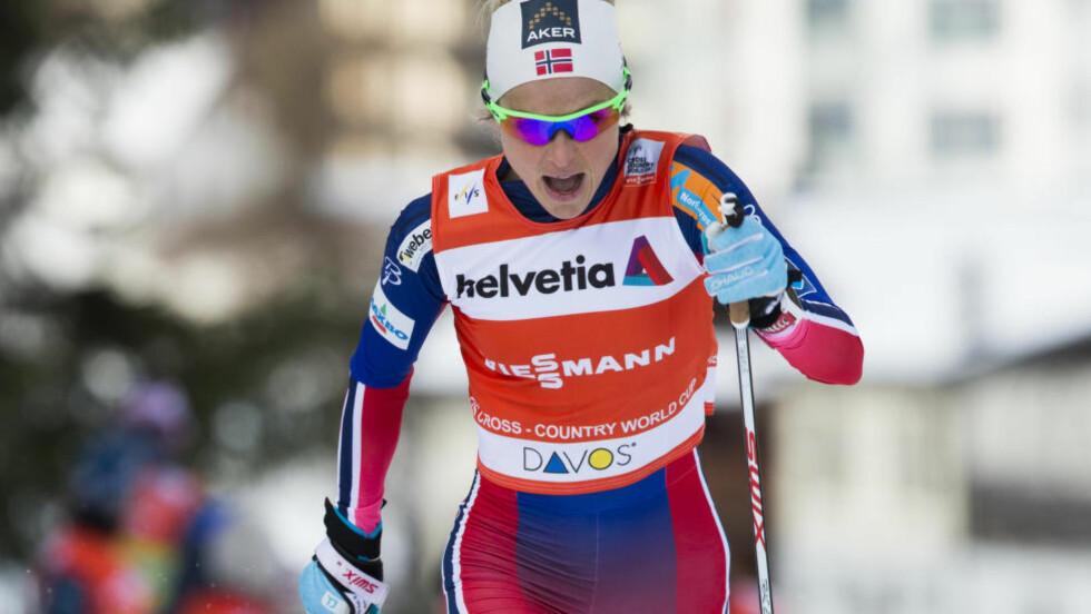 SLÅTT UT: Verken Therese Johaug eller Justyna Kowalczyk klarte å kvalifisere seg for utslagsrundene i verdenscupsprinten i Davos søndag. Foto: Berit Roald / NTB scanpix