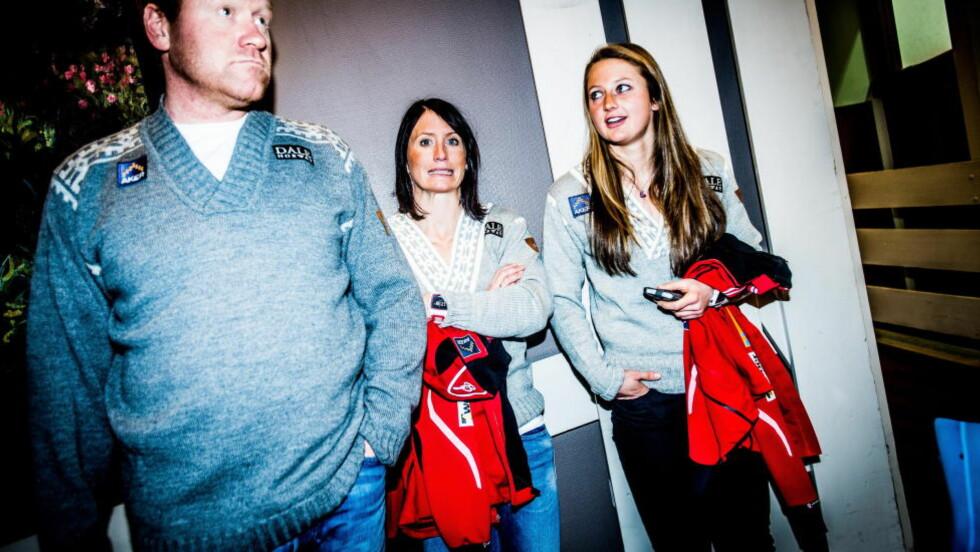 TRIO MED SUKSESS:  Sprinttrener Roar Hjelmeseth og Marit Bjørgen har begge hjulpet Ingvild Flugstad Østberg fram til 24-åringens første verdenscupseier. Den norske suksessen er et felles prosjekt. FOTO:: Thomas Rasmus Skaug / Dagbladet.