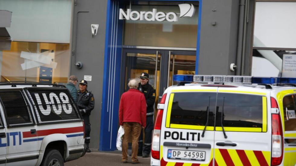 RYKKET UT: Mannen truet ansatte og kunder med pistol. Foto: Jacques Hvistendahl / Dagbladet