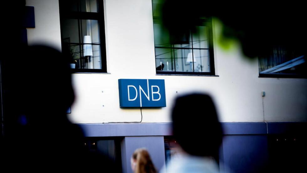 DOBBELT:  Et ukjent antall DNB-kunder har ved en feil fått utbetalt dobbel lønn idag. Banken jobber med å rette feilen, men vet ikke hvor den har oppstått. Foto: Christian Roth Christensen / Dagbladet