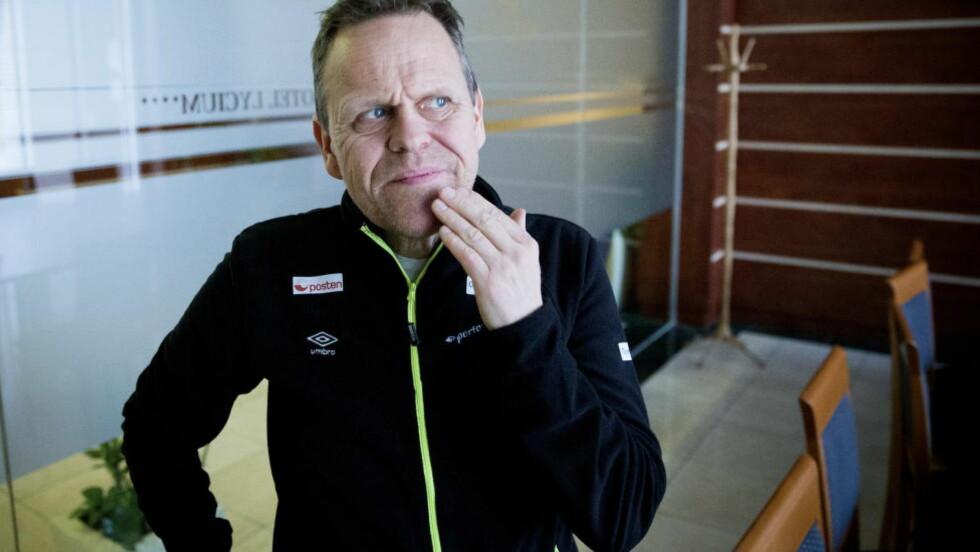 SYK: Landslagssjef Thorir Hergeirsson fikk feber i går kveld, og står over Norges trening i Debrecen i dag. Det meldes at islendingen likevel er klart til å lede håndballjentene fra sidelinja mot Polen i kveld.