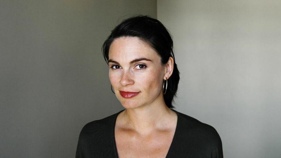 SENDER LIKEVEL: Jeannette Platou er programleder for NRKs dokumentarserie Brennpunkt. I oktober annonserte hun et program om patentjegere, men dette ble likevel ikke sendt. I morgen, to måneder senere sendes det likevel. Foto: NRK
