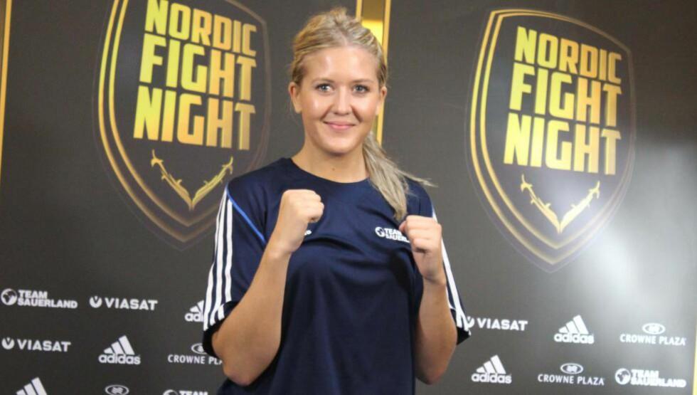 SVAR PÅ TILTALE: Klara Svensson svarer på kritikken fra Marie Riederer. De to møtes i ringen under Nordic Fight Night om litt over ei uke. Foto: Photo Wende / Team Sauerland