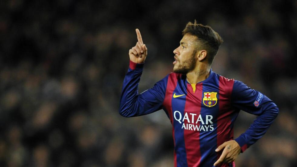 BISARRE KRAV: Barcelonas brasilianske stjernespiller Neymar kunne fort endt i en annen klubb. I tillegg til Real Madrid, var også Manchester City svært nære å signere spilleren. Klubben tolket Neymars merkelige skokrav som at han ville til Spania. Foto: AP Photo/Manu Fernandez
