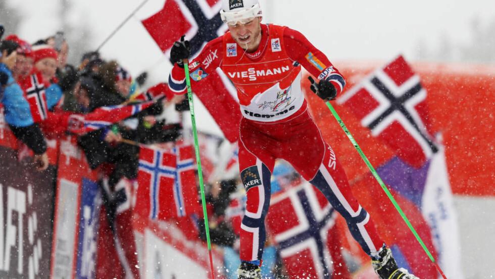 NOEN METER UNNA MÅLET: Martin Johnsrud Sundby ble den første norske mannlige langrennsløper med Tour de Ski-triumf.Foto: Terje Bendiksby / NTB scanpix