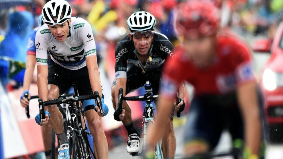 IMPONERTE: Opp La Camperona med flere partier med 20 prosent stigning viste Chris Froome styrke der han distanserte Alberto Contador og de andre sammenlagtfavorittene. Foto: AFP PHOTO/ JOSE JORDAN