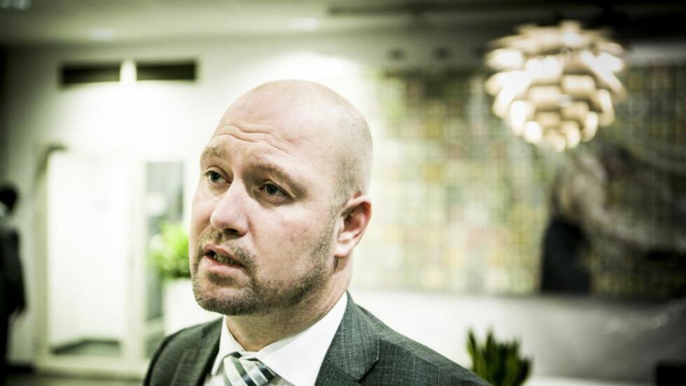 FOPTSATT VÅPEN: Justisminister Anders Anundsen (Frp) har innfridd Politidirektoratets ønske om fortsatt generell bevapning av norsk politi. Foto: Christian Roth Christensen / Dagbladet